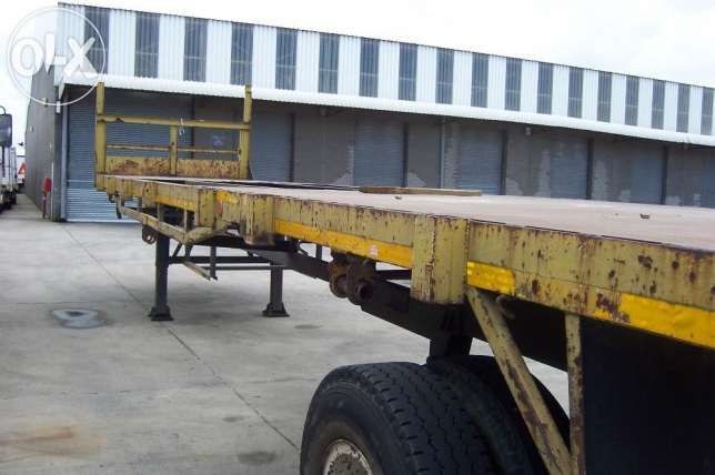 Flat deck 12 meter single axle HENRED trailer good condition BARGAIN Bellville - image 2