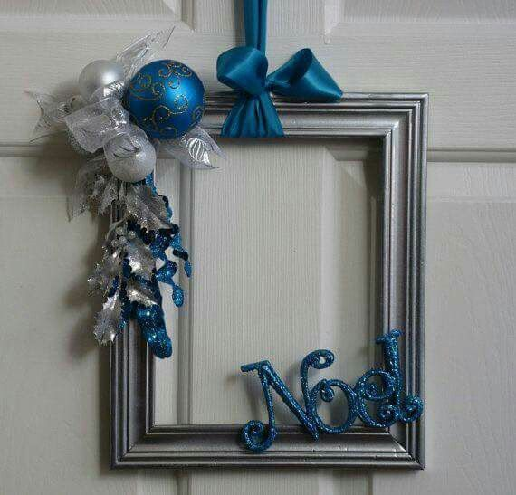 Chrismas decor - take an old frame, add a little added a little embellishments, and voila! If only I got paid as many times this pin was saved...