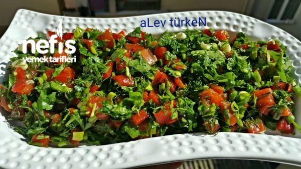 Mükemmel Közlenmiş Kırmızı Biber Salatası
