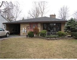 X  $184,000 L1161, 1305 QUEEN ST, CORNWALL, Ontario  K6J1P9