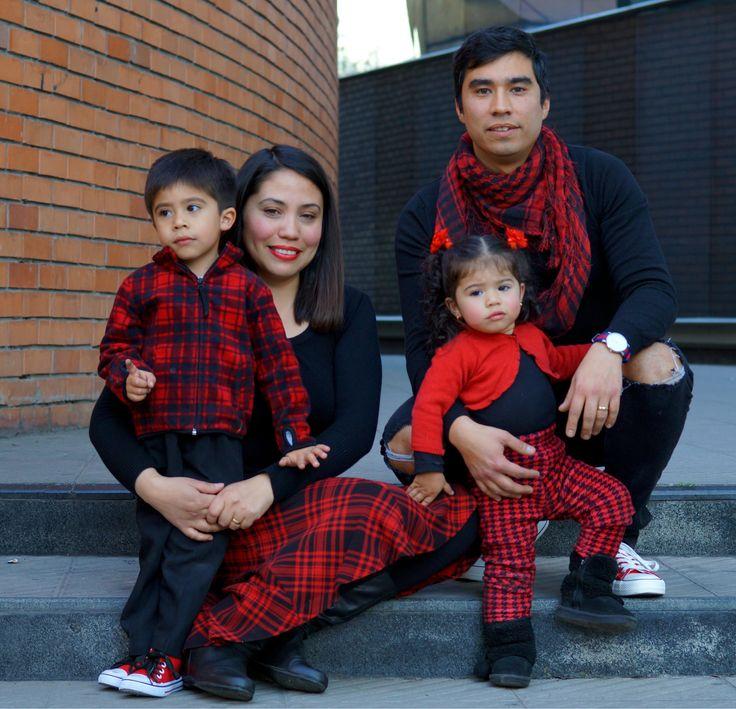 Familia Portrait Red