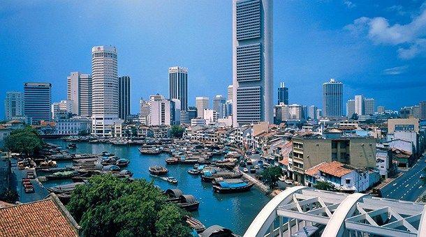 10 consejos para viajar a Singapur - http://www.turistasenviaje.com/guia-de-viajes/10-consejos-para-viajar-singapur%e2%80%8e/    Hoy te dejamos 10 consejos para viajar a Singapur y tener siempre presente cuando emprendamos un viaje hacia este país. 1.- Idioma y dinero En Singapur, el idioma más hablado es el malayo. Pero también hay otras lenguas oficiales que son considerados, como el: chino, tamil e inglés. Dólar d...
