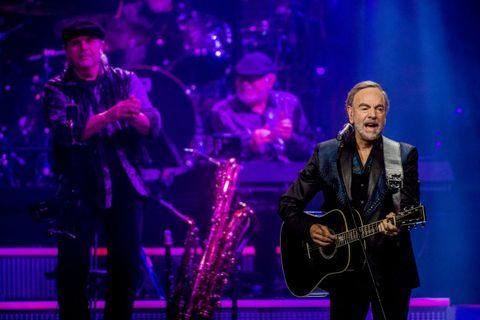 He's been selling out arenas for longer than many people reading this review have been alive. Neil Diamond has broken a record at The Palace of Auburn Hills at his final concert there.