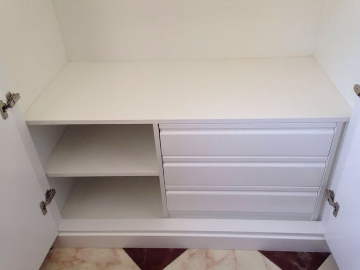 Detalle interior armario cajonera 3 cajones y baldas - Cajonera interior armario ...