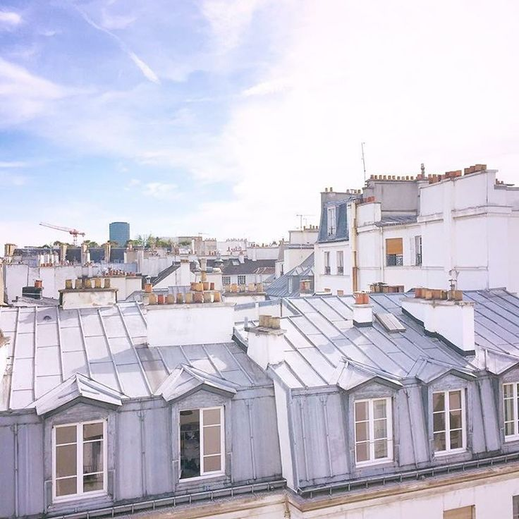 "69 Likes, 1 Comments - I love beautiful things & food (@rosesandparis_) on Instagram: ""Paris rooftops 💗 . . . #paris #france #frankrike #secondhome #andrahem #rooftops #parisrooftops…"""