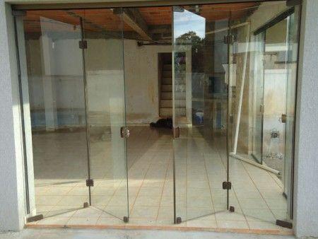 Vidros temperados: Porta Camarão, Porta Stanley, Pergolados, Spyder, Divisor ambientes...