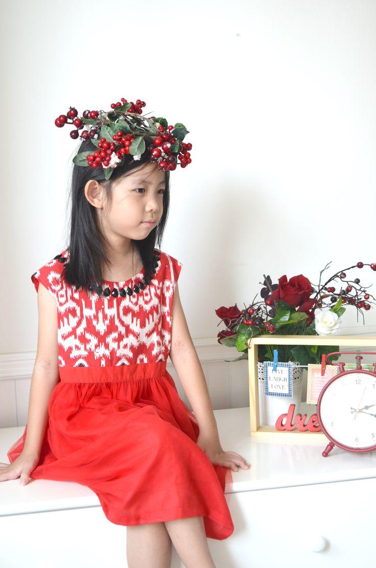 Christmas with Little Noni Batik