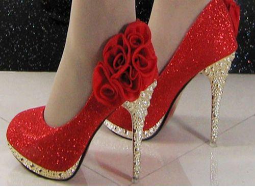 sapatos vermelhos lindos e charmosos que estao em alta 5