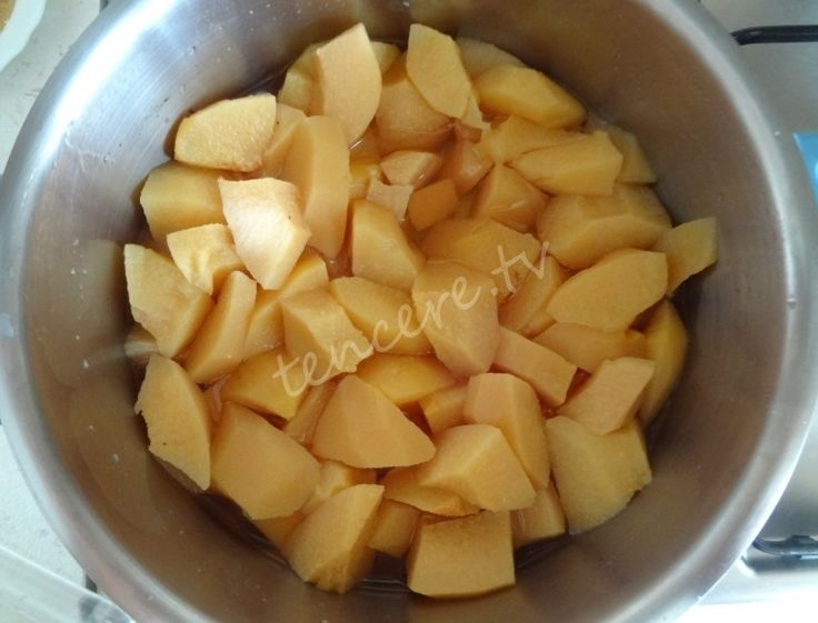 Çok lezzetli ve sağlıklı bir meyve tatlısı. Ayva Lokumu...