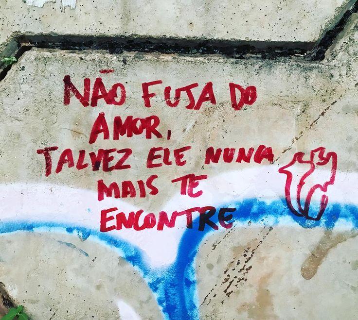"""770 curtidas, 7 comentários - Lucas Aguiar B. (@lucas.aguiarb) no Instagram: """"Quando encontrar alguém incomum, jamais trate-o como igual (o preço da indiferença é alto). O amor…"""""""