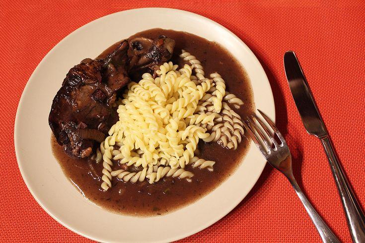 Kuře ve vinné omáčce (Coq au Vin)   Alsaská inspirace z Lotrinska - Powered by @ultimaterecipe