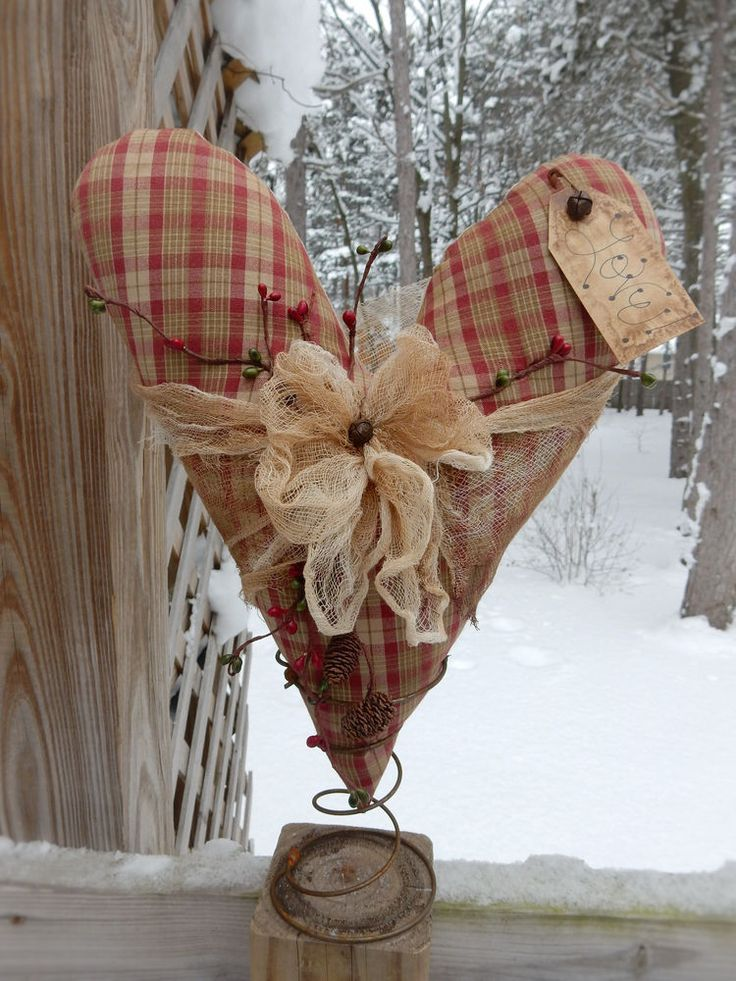 FoLk Art PrimiTive ValenTines Day LoVe HEART Tree Table
