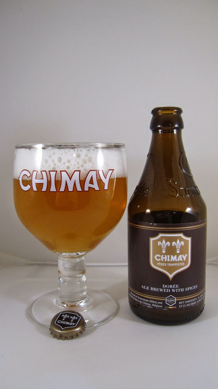 Chimay Dorée • This is a light, fresh beer with a nice mix of spice and yeasty quality.  In many ways, this is a nice cross between a Belgian wit and a Trappist beer.  It's flavorful and refreshing with good character.