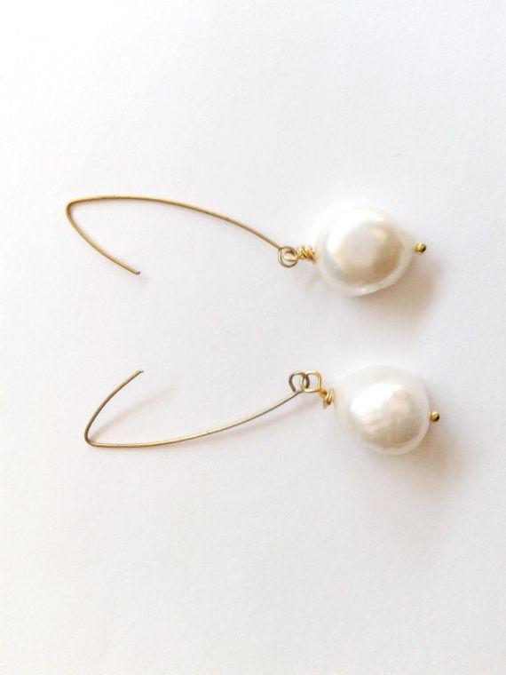 Guarda questo articolo nel mio negozio Etsy https://www.etsy.com/it/listing/502337751/orecchini-perla-barocca-e-amo-ottone