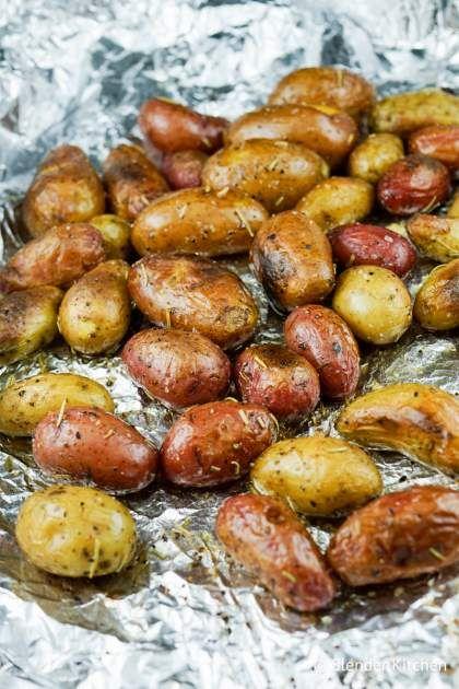 Roasted Rosemary Baby Potatoes | Winter | Holiday | Side Dish | Potatoes | Whole30 | Weight Watchers | Vegan | Paleo | #healthyrecipes #slenderkitchen #weightwatchers #sidedish #potatoes #whole30 #vegan #paleo