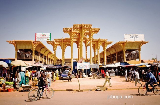 Facade of the Grand Marché in the city of Niamey, Niger by Jobopa, via Flickr