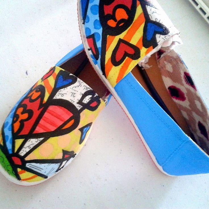 Solangel Unique Shoes: Zapatos pintados a mano inpiración Romero Britto, Corazón. Zapatos pintados a mano - zapatos pintados- baby shoes - hand painted shoes - panama – Solangel martinez - solangelsus - diseñadora - colombia - shoes - zapatos - moda - green shoes - raton - children – panamá –Britto – corazón de Britto – Romero Britto – Heart shoes