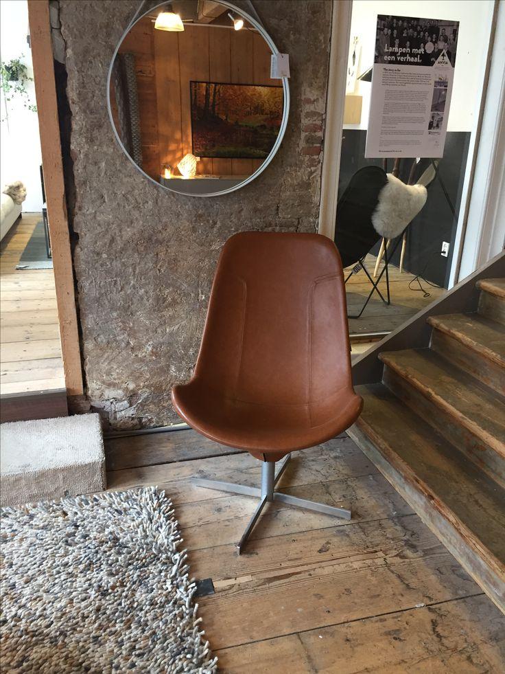 Gelderland fauteuil 7400 by Scholten & Baijings @vanduivenboden #gelderlandmeubelen #dutchdesign #interieur