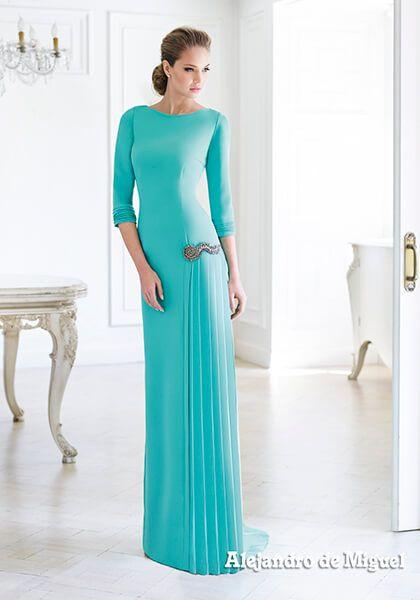 Alejandro de Miguel confección de trajes de madrina, novia, invitada y fiesta a medida. Moda nupcial, modelos exclusivos a tu medida, fabricamos para toda España. Más