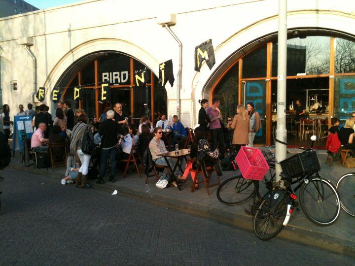 BIRD in Rotterdam, Zuid-Holland  #jazz #pizzeria (new!) #pizza #soul #jazzclub #BIRD #Rotterdam  https://en.rotterdam.info/visitors/places-to-go/nightlife-clubbing/10688/bird/ | NL: https://www.rotterdam.info/bezoekers/locaties/uitgaan-clubs/10688/bird/