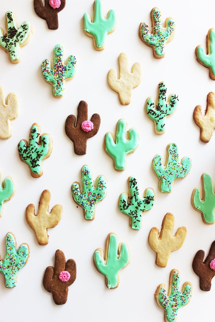 If you follow us on Snapchat (poppytalkcom), you may have seen us making some cacti cookies over the weekend (even burning some)! Psssst! The dark ones are not chocolate, they're burnt! But hey, we'll