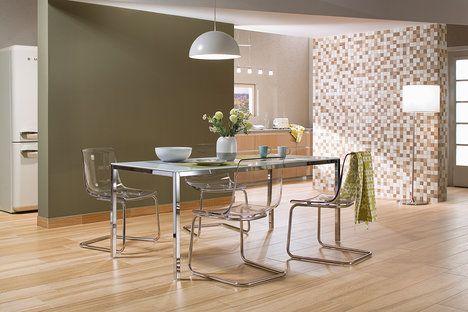 Kolekce Board respektuje současné trendy keramických obkladů. Tady imitace přírodních materiálů – dřeva a kamene. Cena od 359 do 1299 Kč za kus o rozměru 20 x 120 cm; RAKO