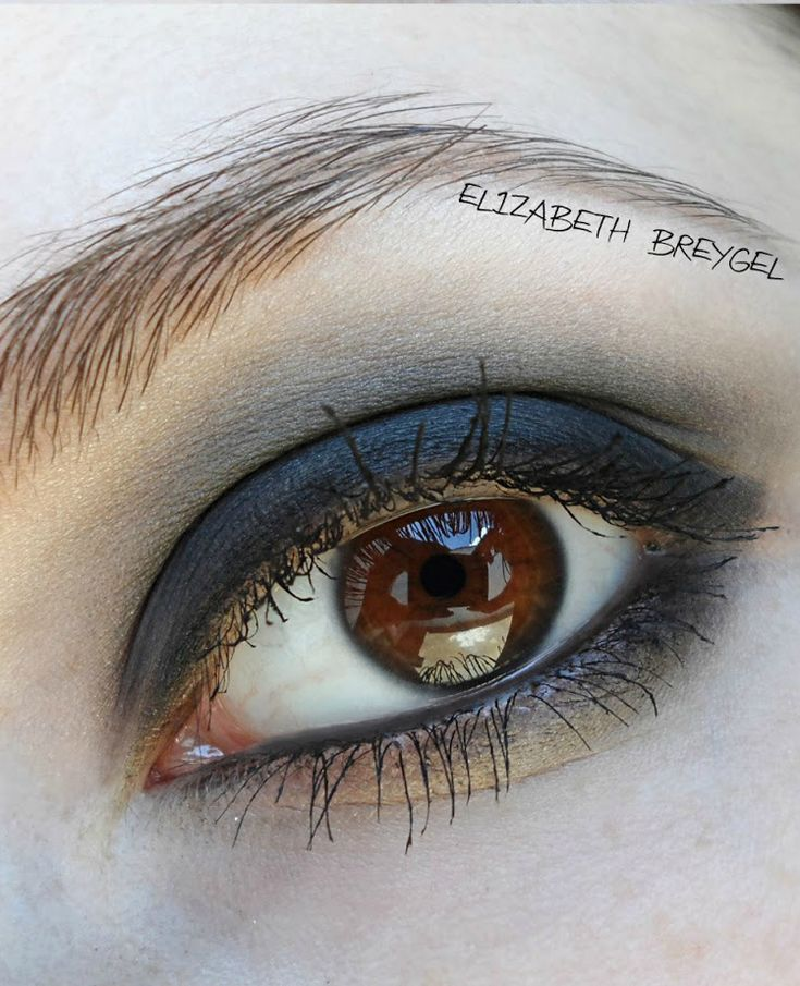 Tutorial: Classic Smokey Eyes Makeup Step By Step - Click the image for the Tutorial!    Where to buy Real Techniques brushes makeup -$10 http://youtu.be/Ma9w3IGLEzA   #realtechniques #realtechniquesbrushes #makeup #makeupbrushes #makeupartist #makeupeye #eyemakeup #makeupeyes