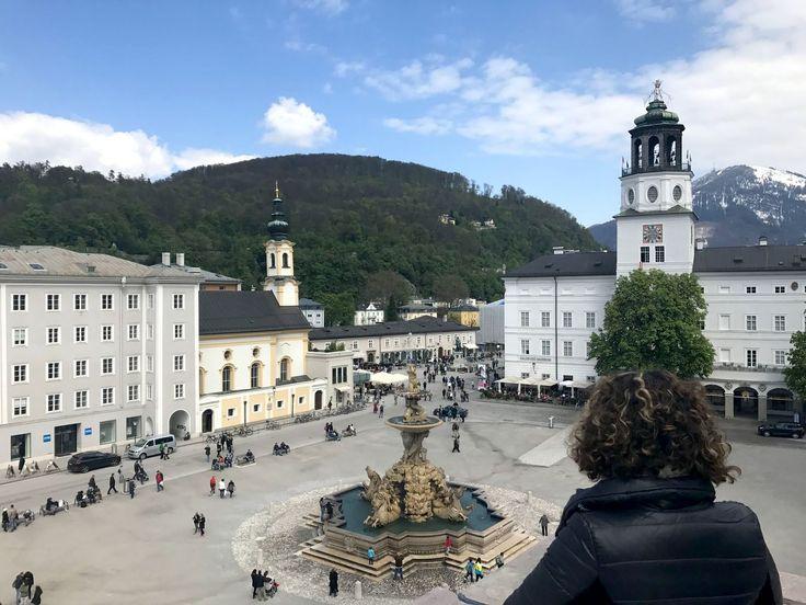 Residenzplatz a Salisburgo - Un itinerario di 4 giorni a Salisburgo e nel salisburghese, alla scoperta della città di Mozart e della musica, tra sfarzosi palazzi barocchi, inespugnabili fortezze e montagne innevate.