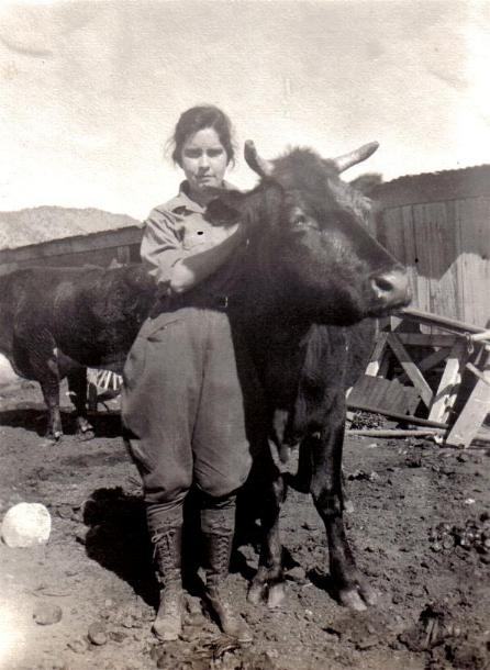 Cowgirl image from Arizona Racing History - now this is a cowgirl!