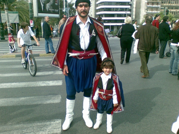 Cretan traditional costumes