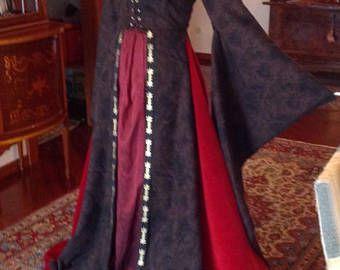 Tiara e abito rinascimentale