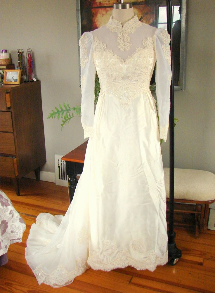 Refashion Wedding Dress 1970something to Wedding Dress