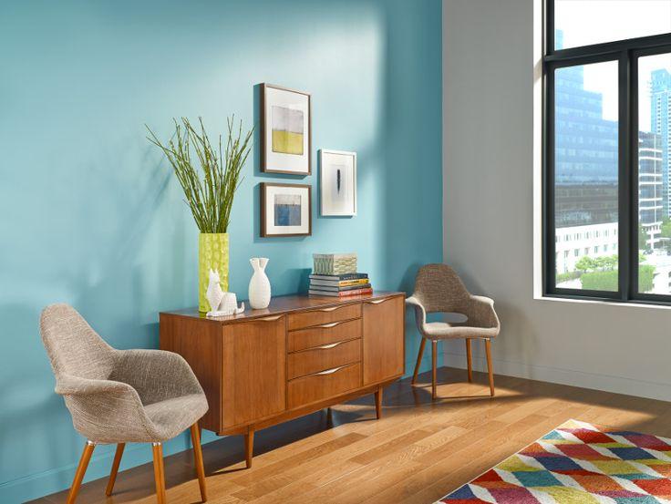 Dale una sensación energética a tus espacios con tonos vivos.
