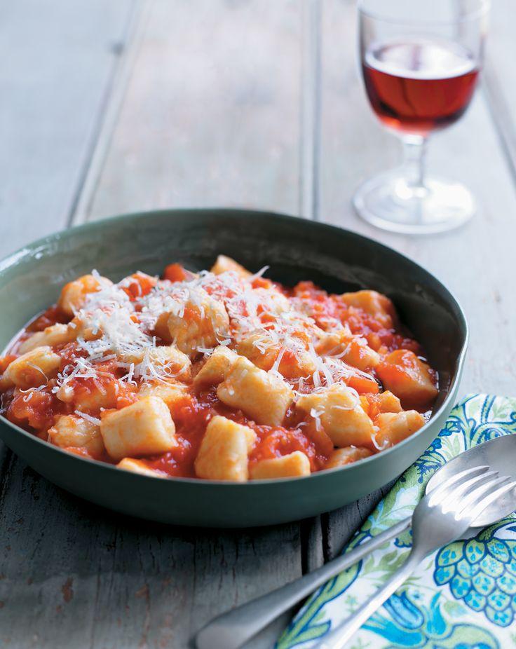 Gnocchi with fresh tomato and basil sauce