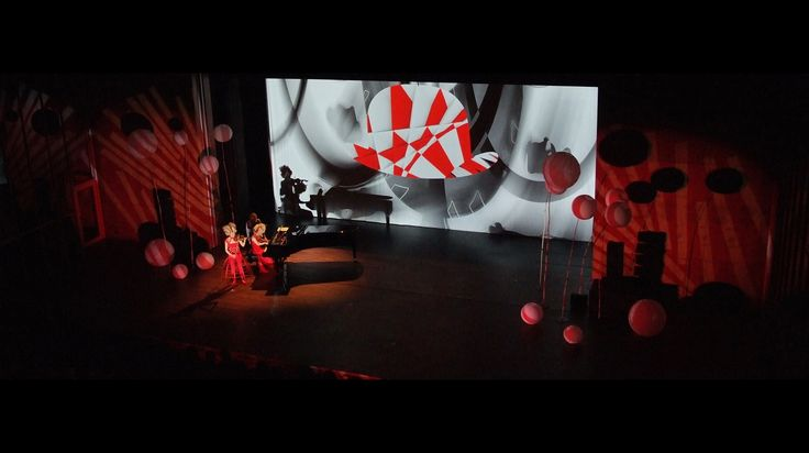 #concert #show TerweysVisualClassic. A magic mix of #classicalmusic #lighting #projection #stageset, dramatic #art.