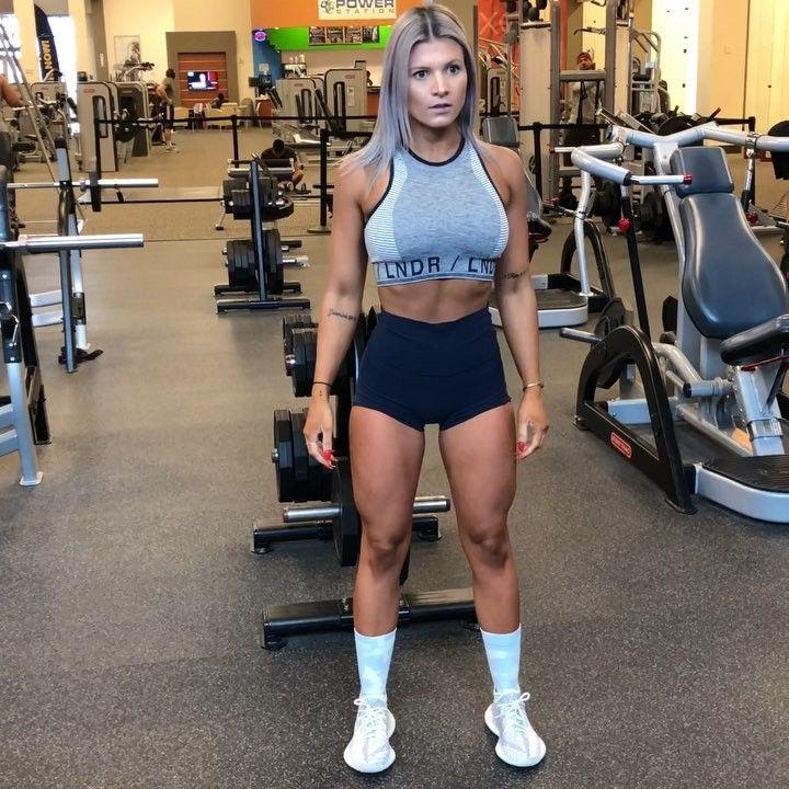 "SuzieB Fitness LLC on Instagram: ""🍑LEG DAY🍑 Look maa no ..."
