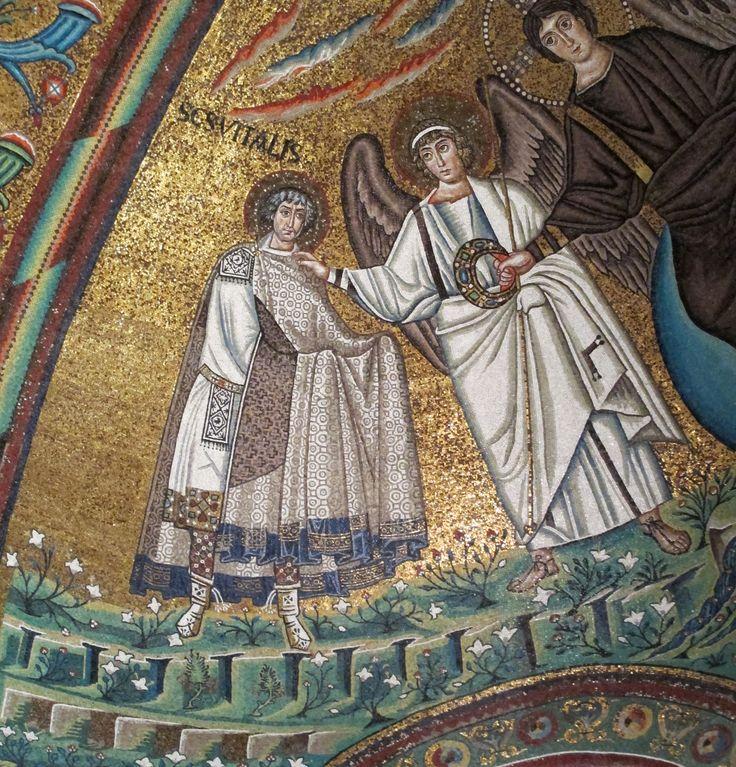 Basilica di San Vitale, Ravenna. I Mosaici bizantini, 546-547. Il periodo di Giustiniano. Cristo in globo fiancheggiato da angeli, dal vescovo Ecclesio e da San Vitale. SAN VITALE