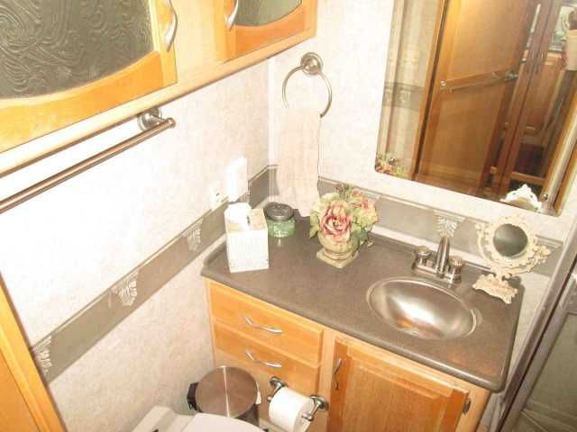 2002 Used Fleetwood Pace Arrow 37A Class A in California CA.Recreational Vehicle, rv, 2002 Pace-Arrow Model 37 A With 2 Slides , Title free and clear, and in hand. NADA value is $39,950 and it's yours for $25,950.00. Will consider late model class C as partial trade, This motor home is in Excellent condition! White Power leather captain's chairs with matching coach and recliner Four door fridge/freezer with ice maker, Designer indirect Lighting, Full length queen bed, Extra tall windows for…