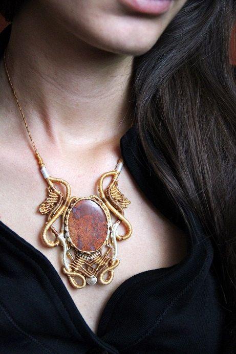 Agate Macrame Necklace Healing Gemstone Jewellery by MahadevaCraft.