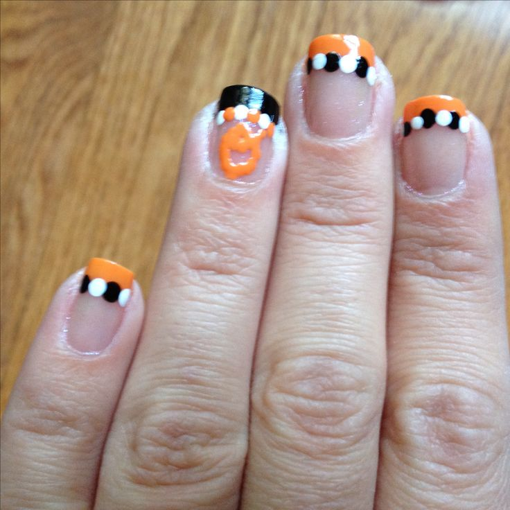 Oriole's nails