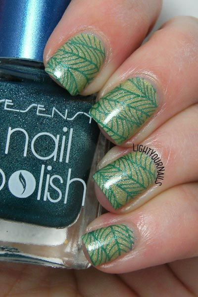Green leaves nail stamping feat. Liquid Sky Lacquer Blue Hawaiian and Bornprettystore's Floral BPX-L018 stamping plate #nailart #nailstamping @bornprettystore #greenery