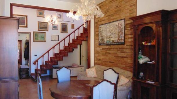 Affitto Appartamento arredato con 3 camere e doppi servizi a Pisa, quartiere Santa Maria. Per info e appuntamenti Diego 050/771080 - 348/3259137
