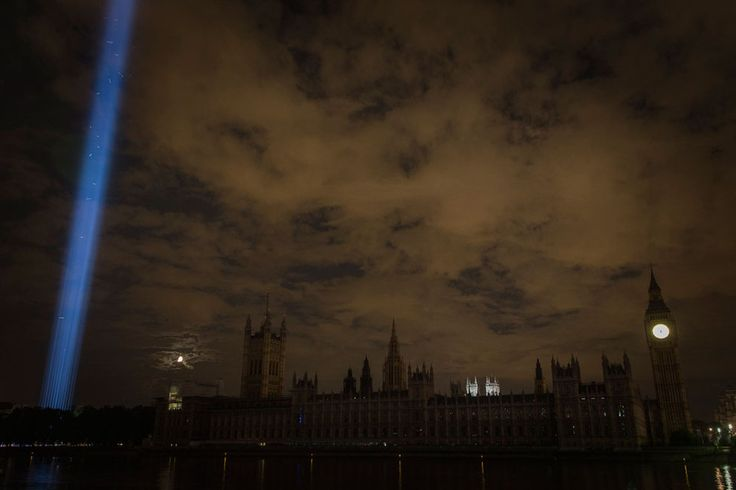 But overall the effect was simply majestic. | Spine-Tingling Photos Of London As It Remembers World War I