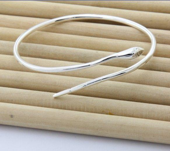 Купить товарЧистое серебро ювелирные изделия браслеты мужчина женщина 925 серебро змея браслеты браслет сивер 925 браслеты в категории Браслетына AliExpress.                                                                      &nb