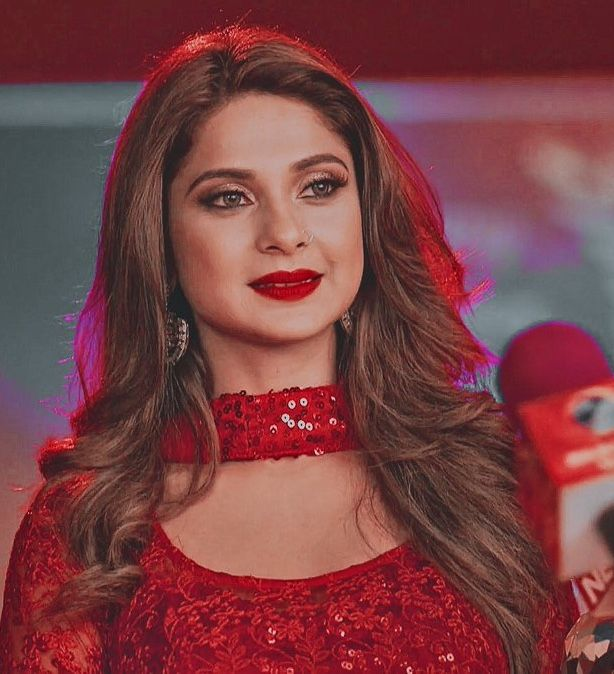 Pin By Areeba Alia On Bepaanha حب الصدفة Jennifer Winget Red Dress Makeup Cute Celebrities