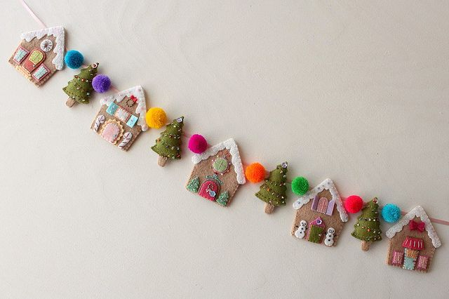 Beautiful Handmade Felt Gingerbread Houses Christmas Tree Garland