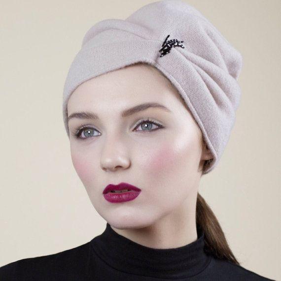 Slouchy Wollmütze Ecru Winter Beanie Mode von MaggieMowbrayHats