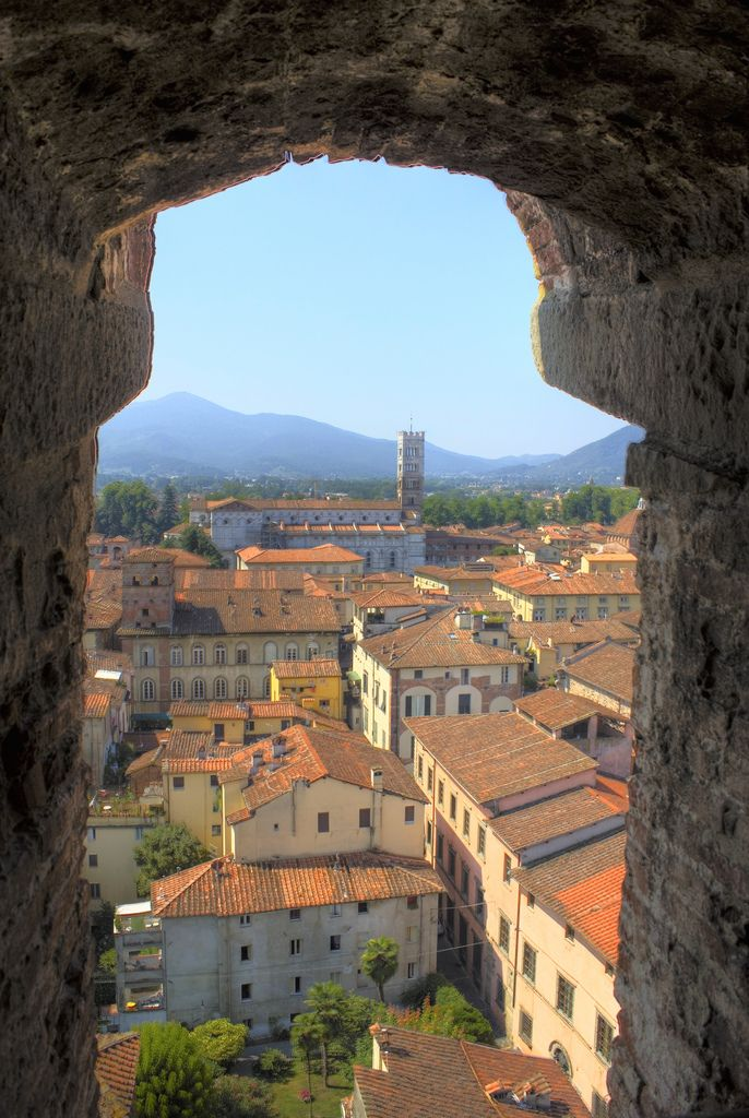"""breathtakingdestinations: """" Lucca - Italy (by Graeme Maclean) """""""