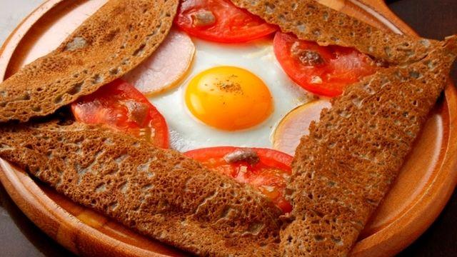 ハース - 料理写真:Hearthの看板商品のフランスの郷土料理ガレット♪