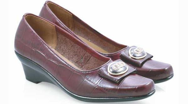 Sale Women Formal Shoes Lether, High Quality, olor Brown & Black that look great.So Cheap!